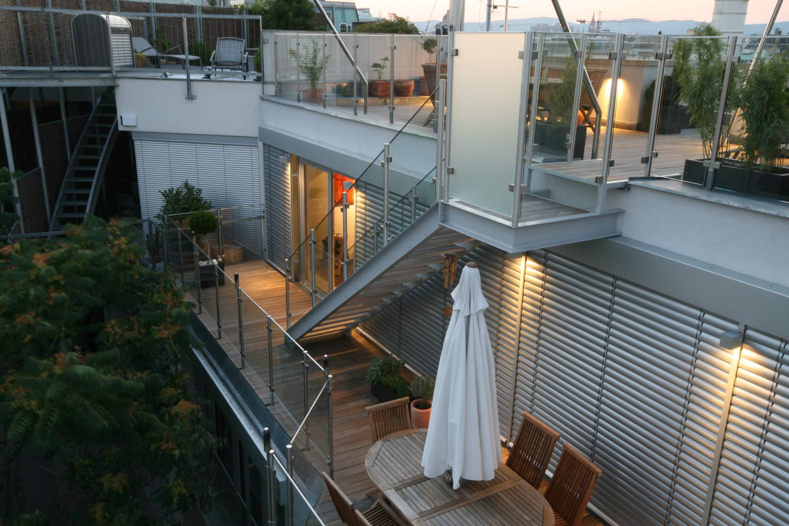 LIEGLER TAKEH ARCHITEKTEN Projekt Paniglgasse Stiege auf die Dachterrasse