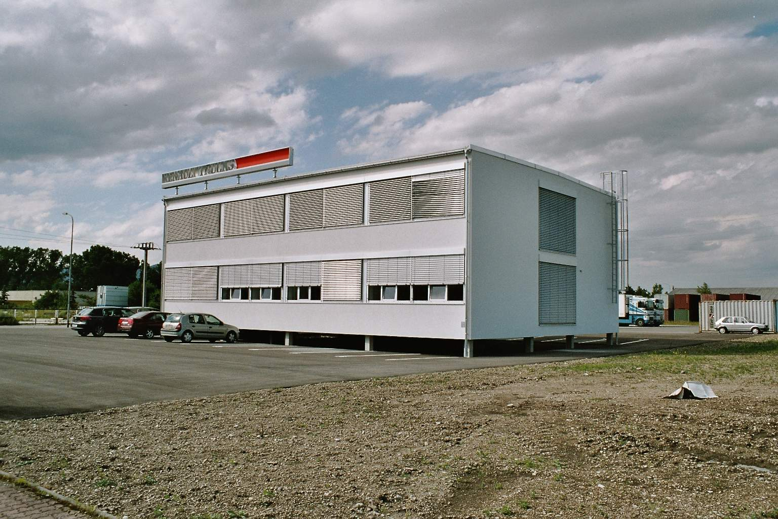 LIEGLER TAKEH ARCHITEKTEN Projekt Renault Trucks